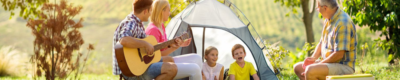 Family-camping_2496x500-1560x313